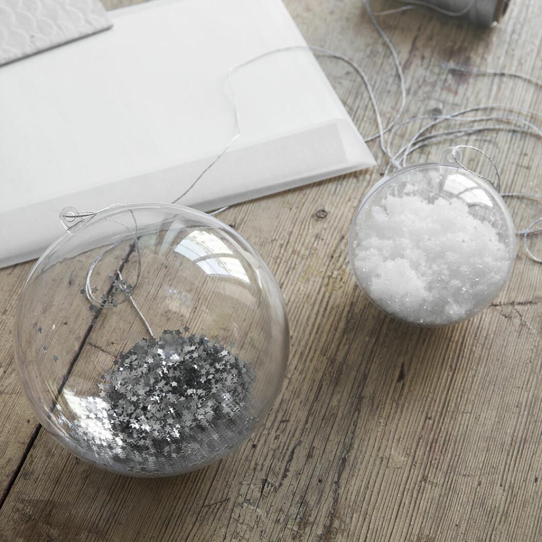 Julgranskulor i glas med glitter i från Granit