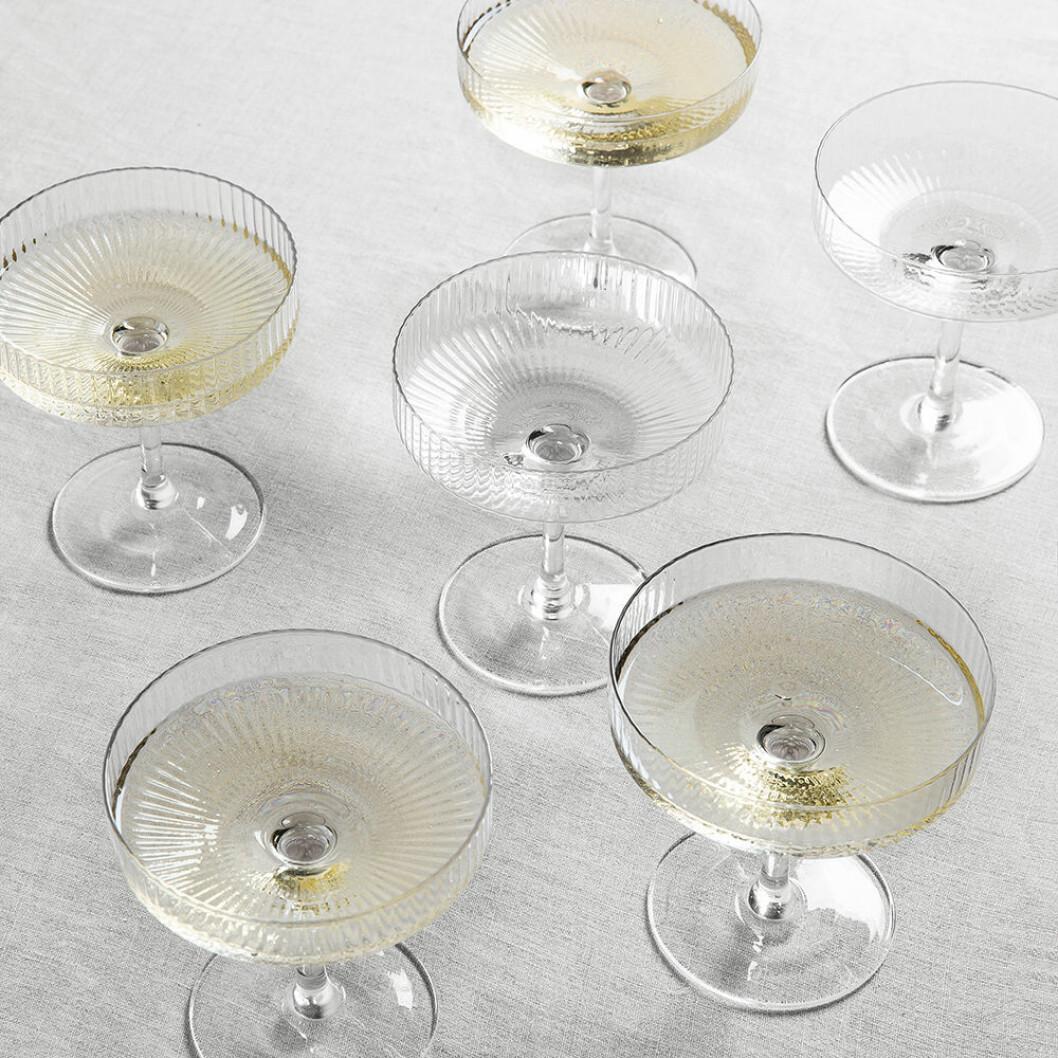 Räfflade champagneglas – perfekta till nyår 2020