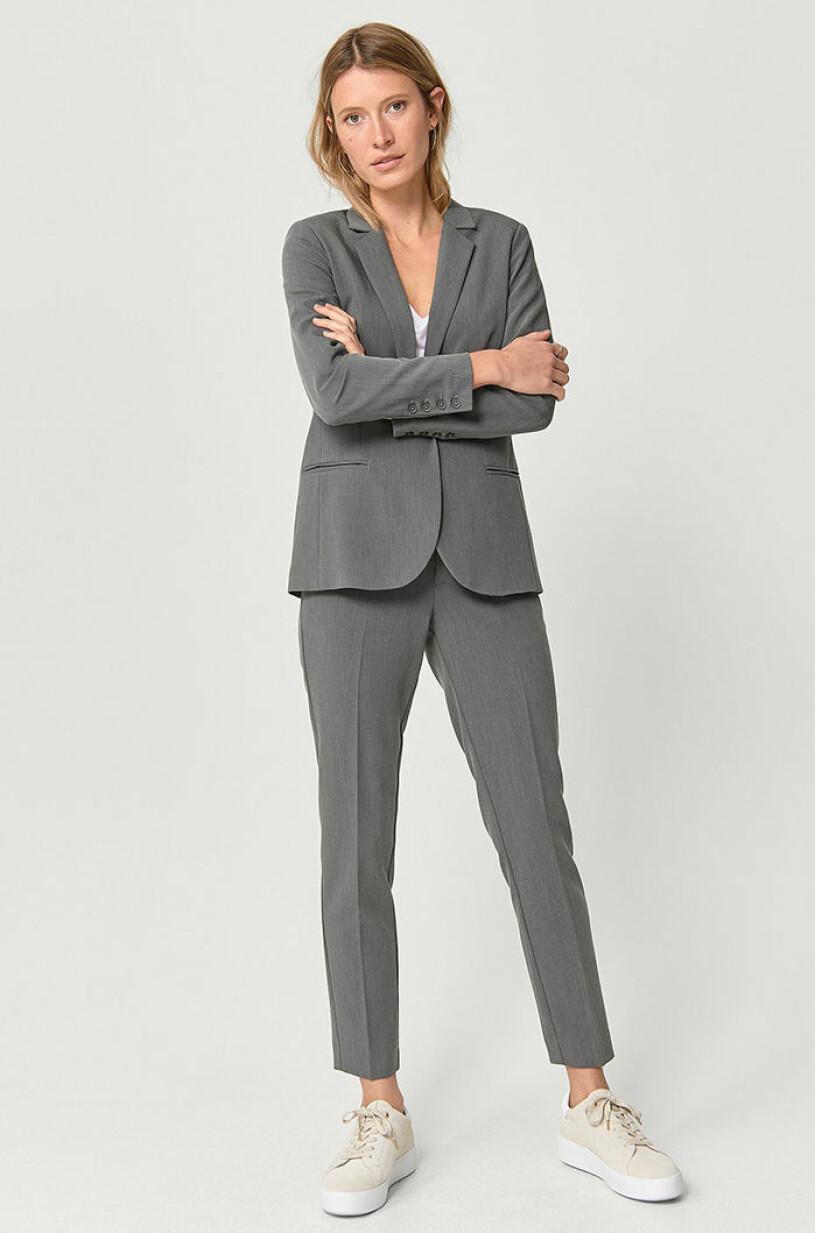 gratt-kostymset-ellos-collection
