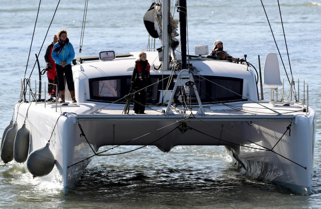 Greta Thunberg seglar in i Lissabon