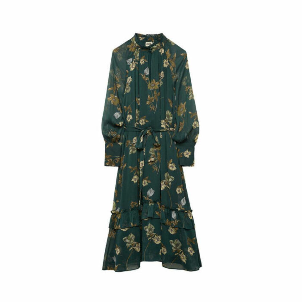 Grön klänning med blommor