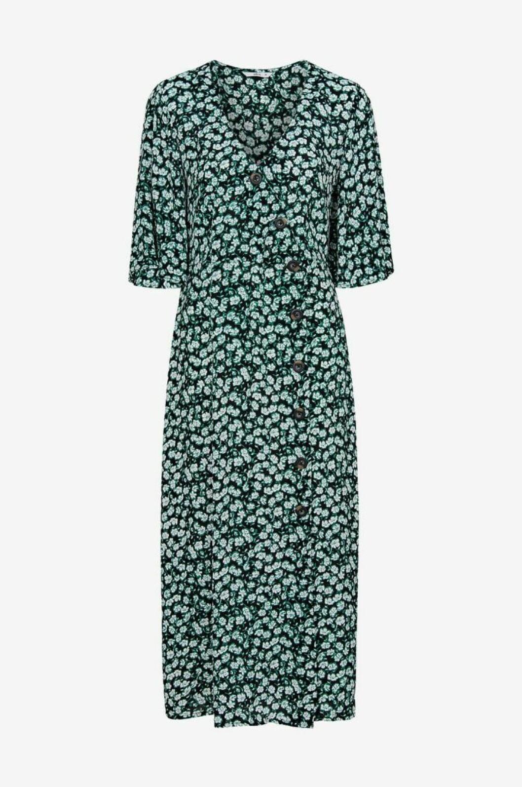 Grön klänning med vita prickar