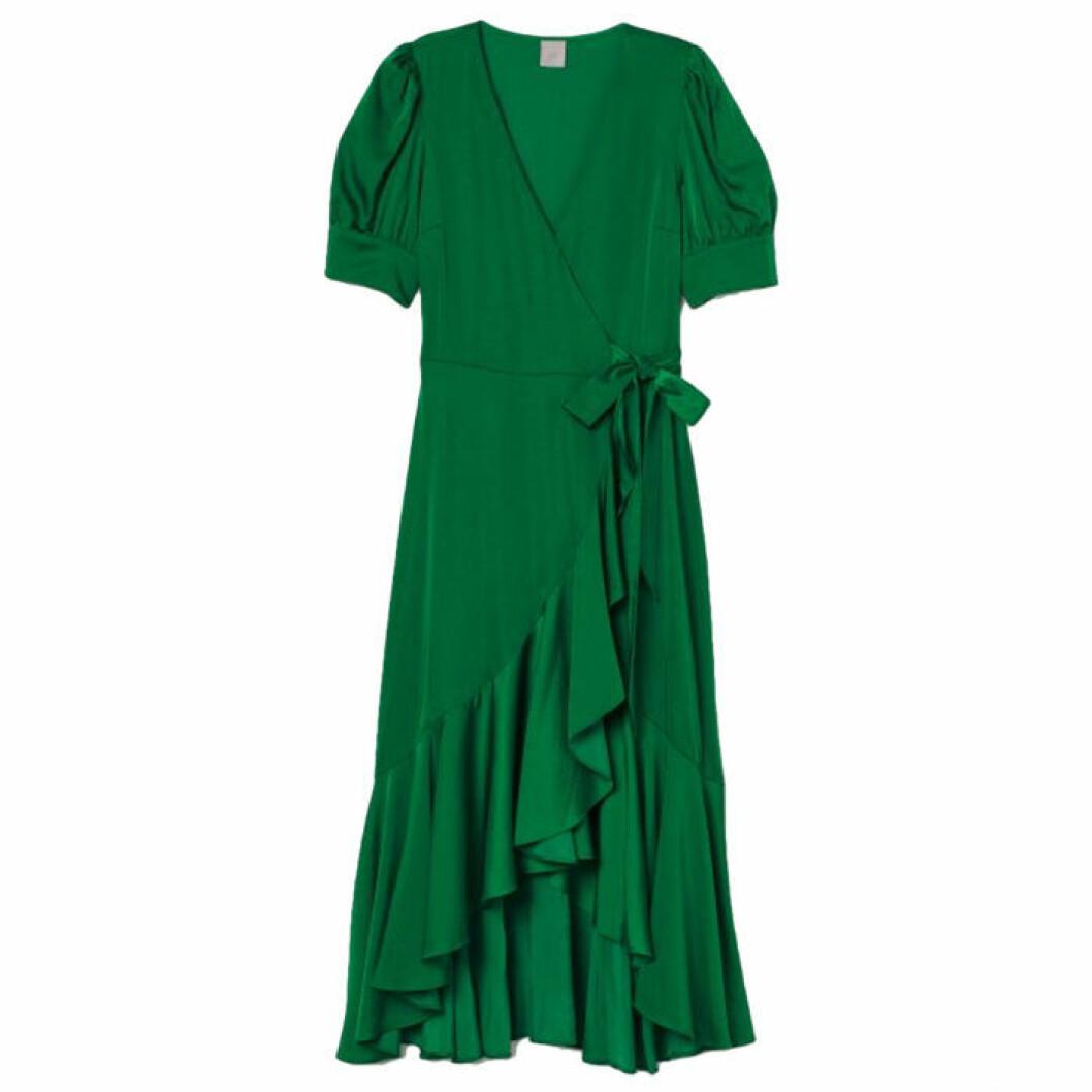 Grön volangklänning i satin