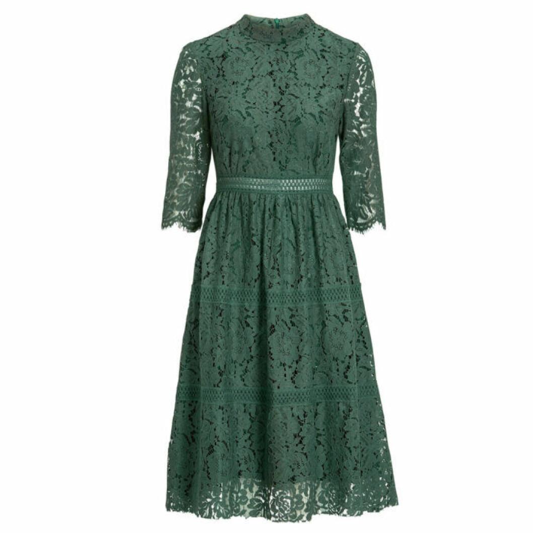Grön spetsklänning från Bubbleroom