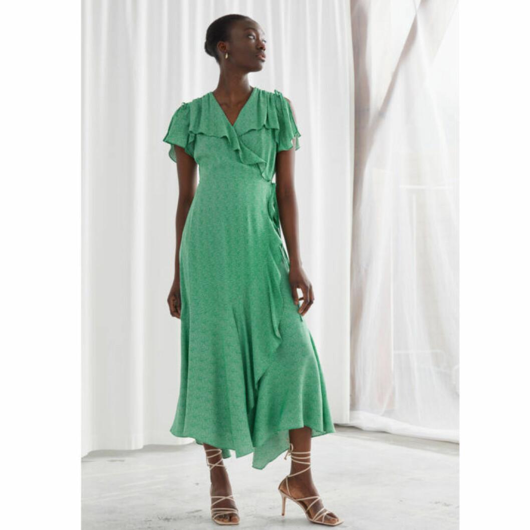 Grön volangklänning från Stories