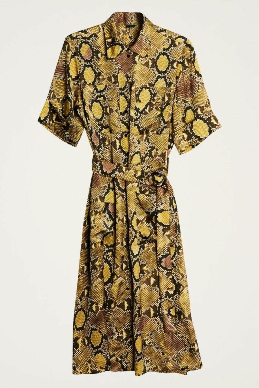 Gul snakeklänning