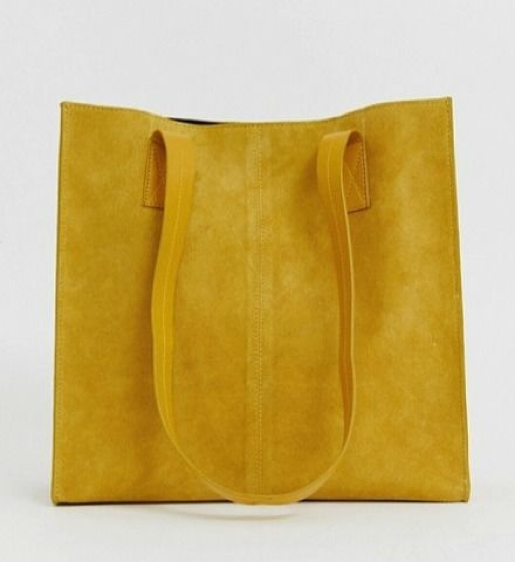 Gul väska i större modell till våren 2020