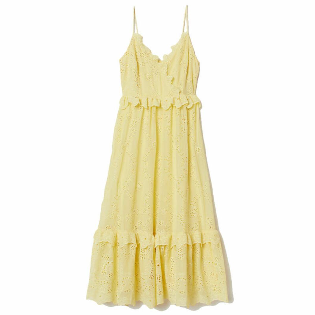 Gul klänning omlott