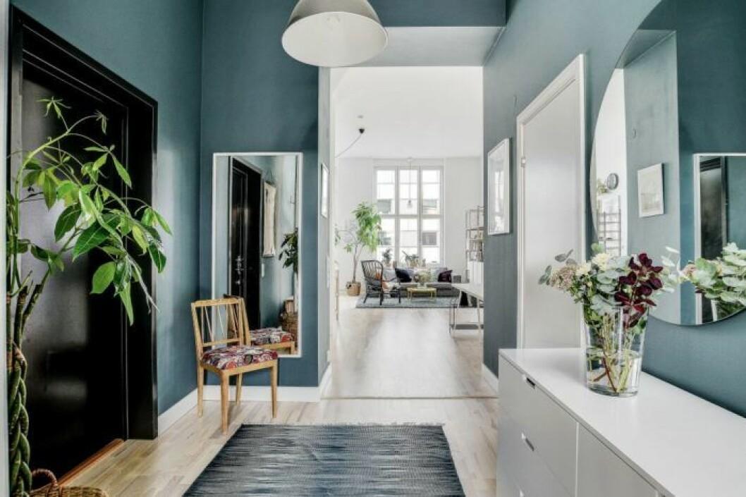 Hall i Katjas lägenhet i Sundbyberg - Bonusfamiljen.