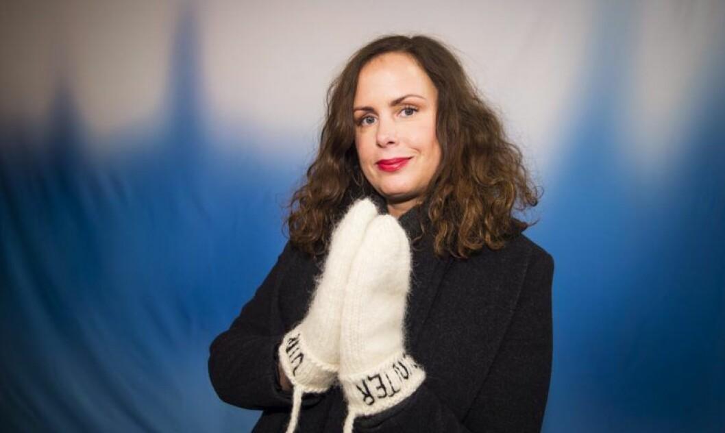 En bild på författaren, krönikören och radioprofilen Hanna Hellquist, som är nykter alkoholist.