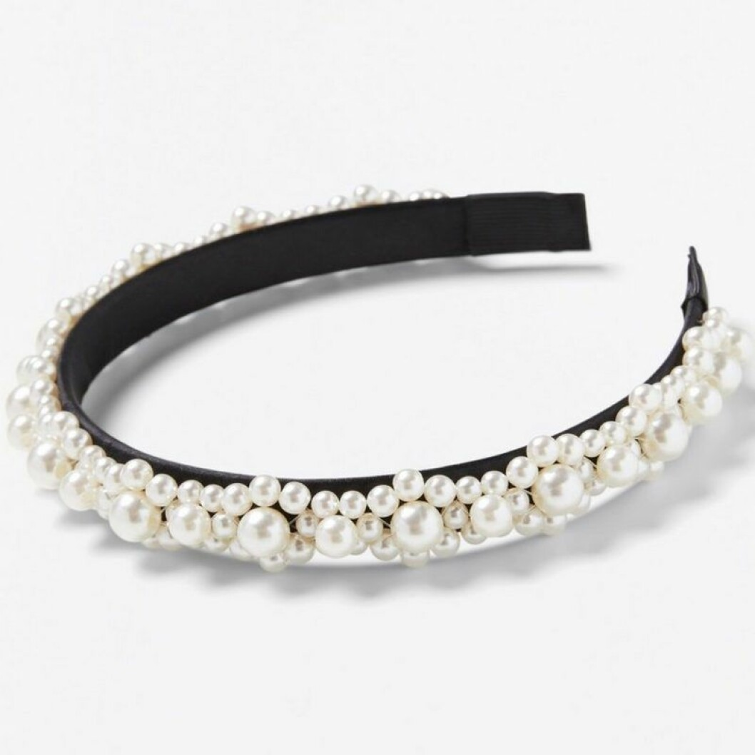 Hårband med pärlor