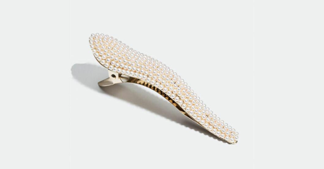 Näbbklämma med pärlor från Glitter