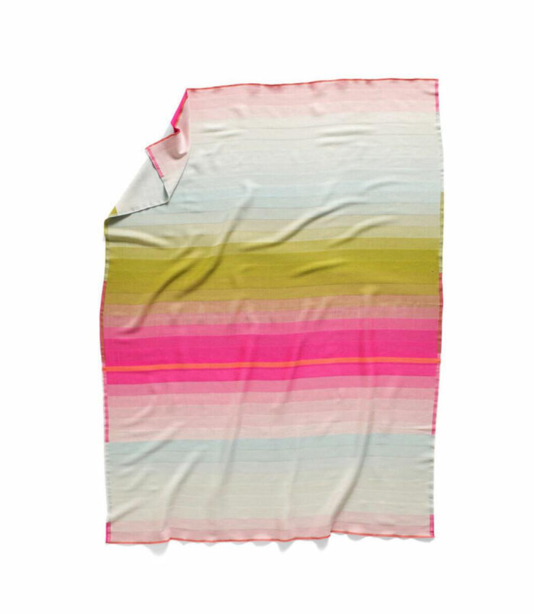 Trendig pastellfärgad pläd till sommaren