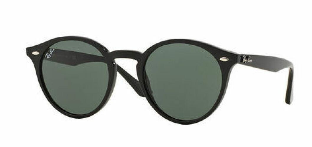 En bild på ett par solglasögon som heter Ray-Ban – Highstreet.