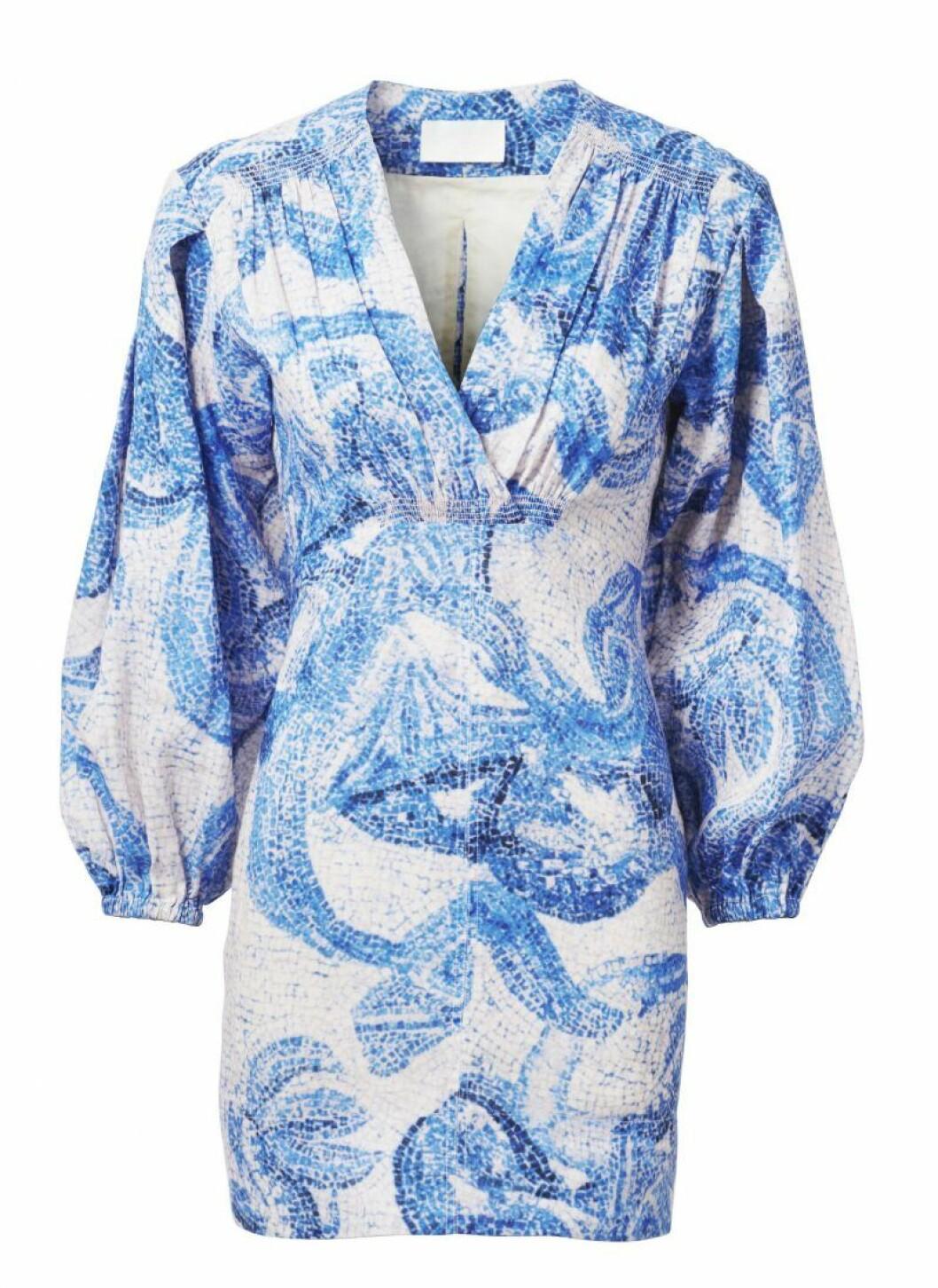 H&M Conscious Exclusive SS20 blåvit mönstrad klänning