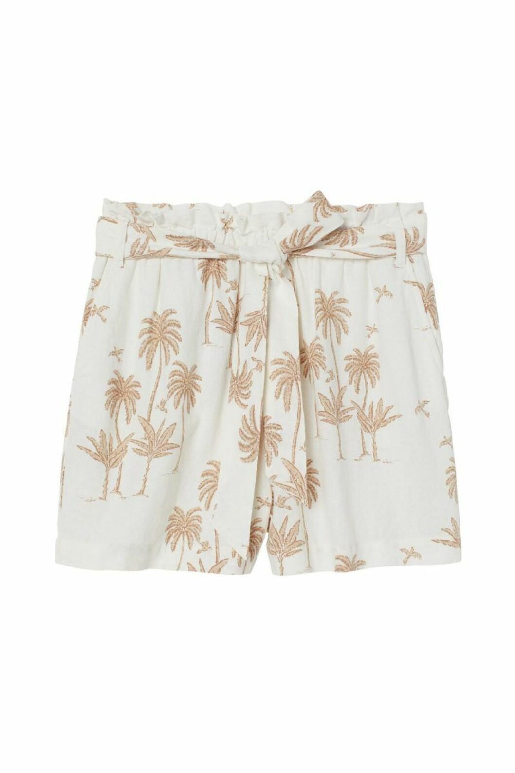 H&M x Desmond & Dempsey sommarkollektion 2020: ljus shorts
