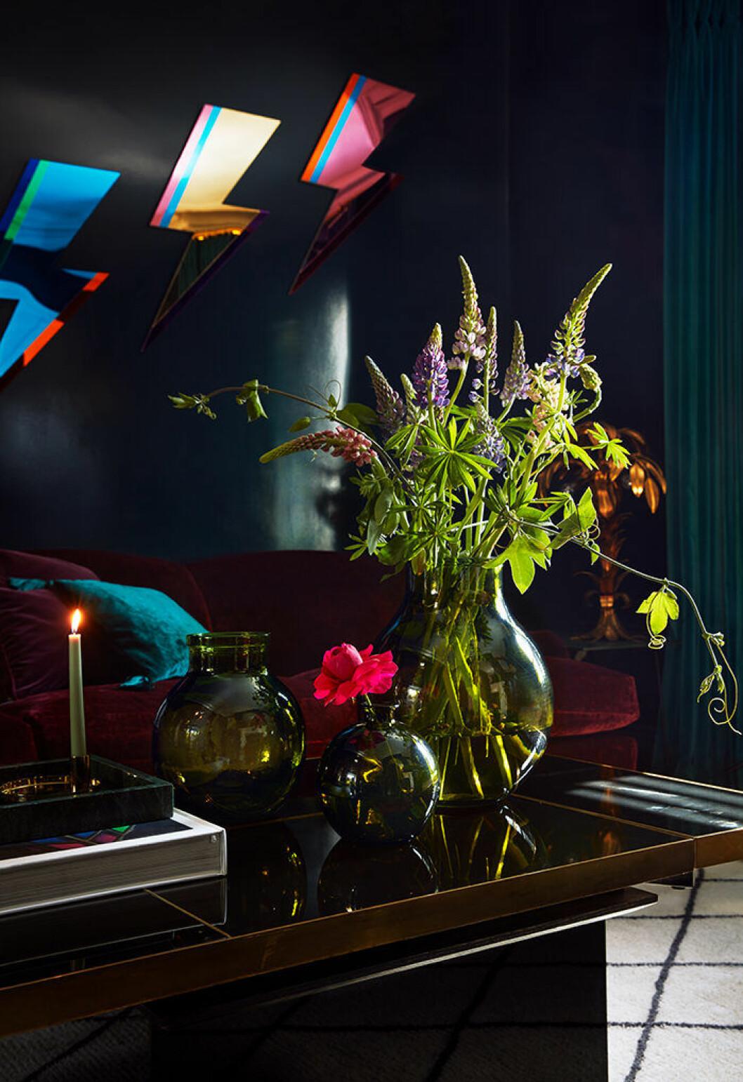 Hemma hos Poppy Delevingne är det eklektiskt och modigt inrett