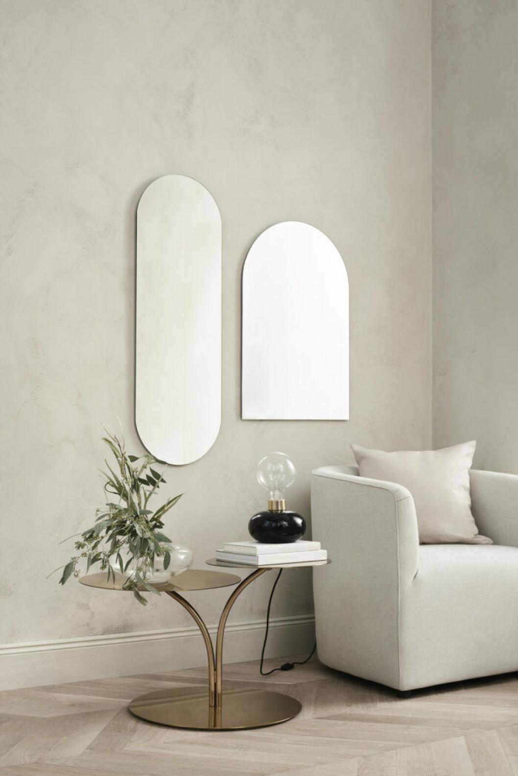 Speglar, bord och fåtölj från H&M Homes vårkollektion 2019