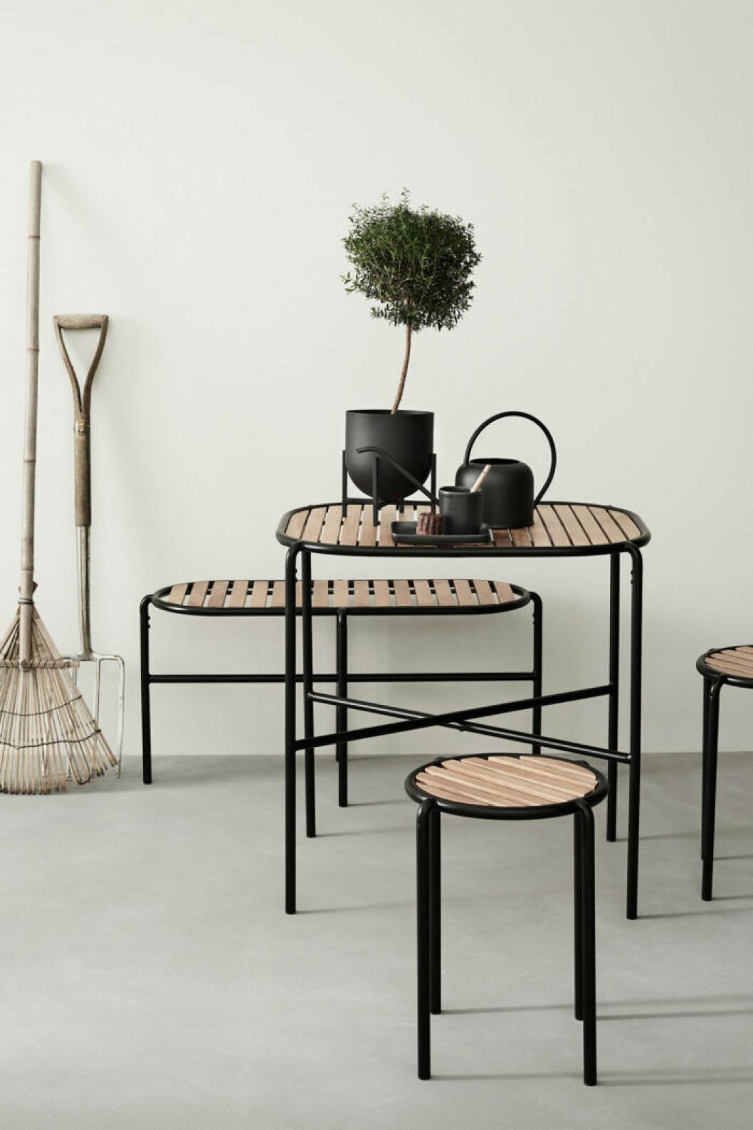 H&M home har släppt sina första utemöbler