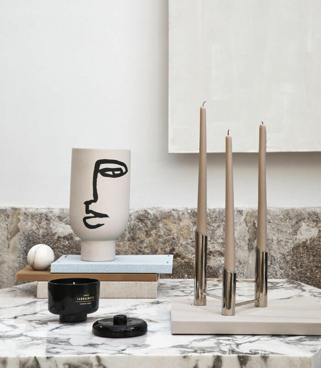 Beige och grafiska kontraster hos H&M Home i vår