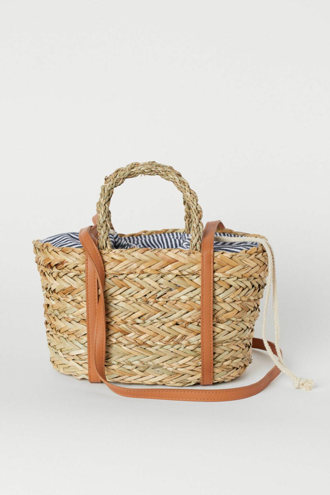 stråväskor 2019 H&M