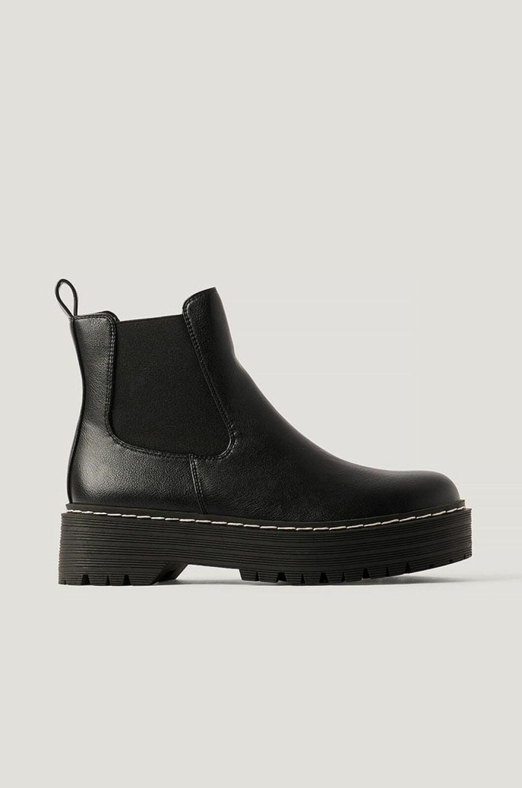 svarta-boots-gina-tricot
