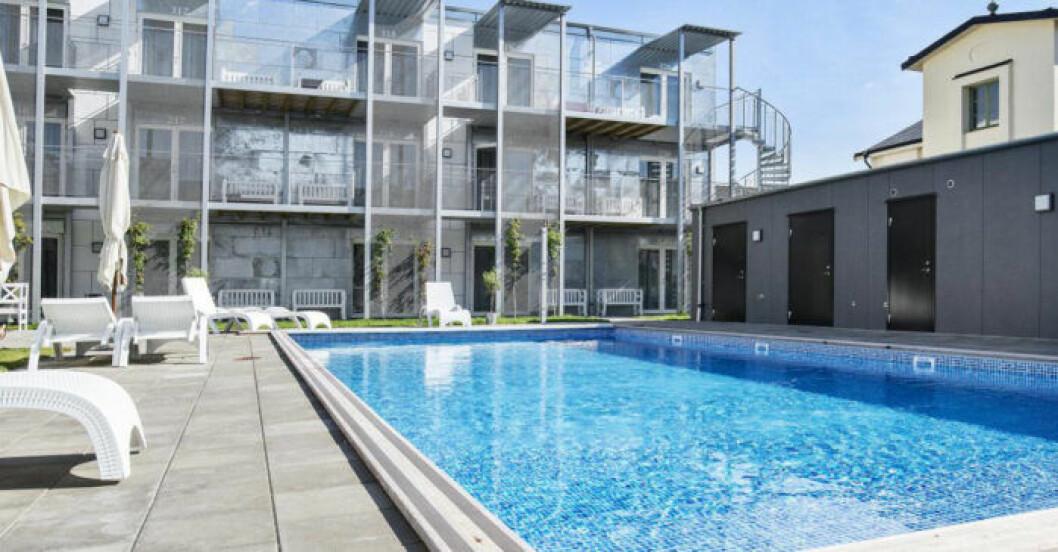 Lägenhetshotell med pool i centrala Visby.