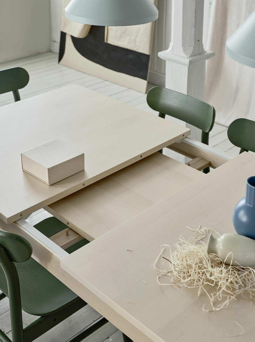 Förläng bordet Rönninge från Ikea med en skiva som förvaras i