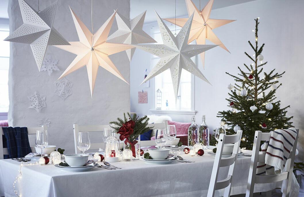 Adventsstjärnor och juldekorationer från Ikea