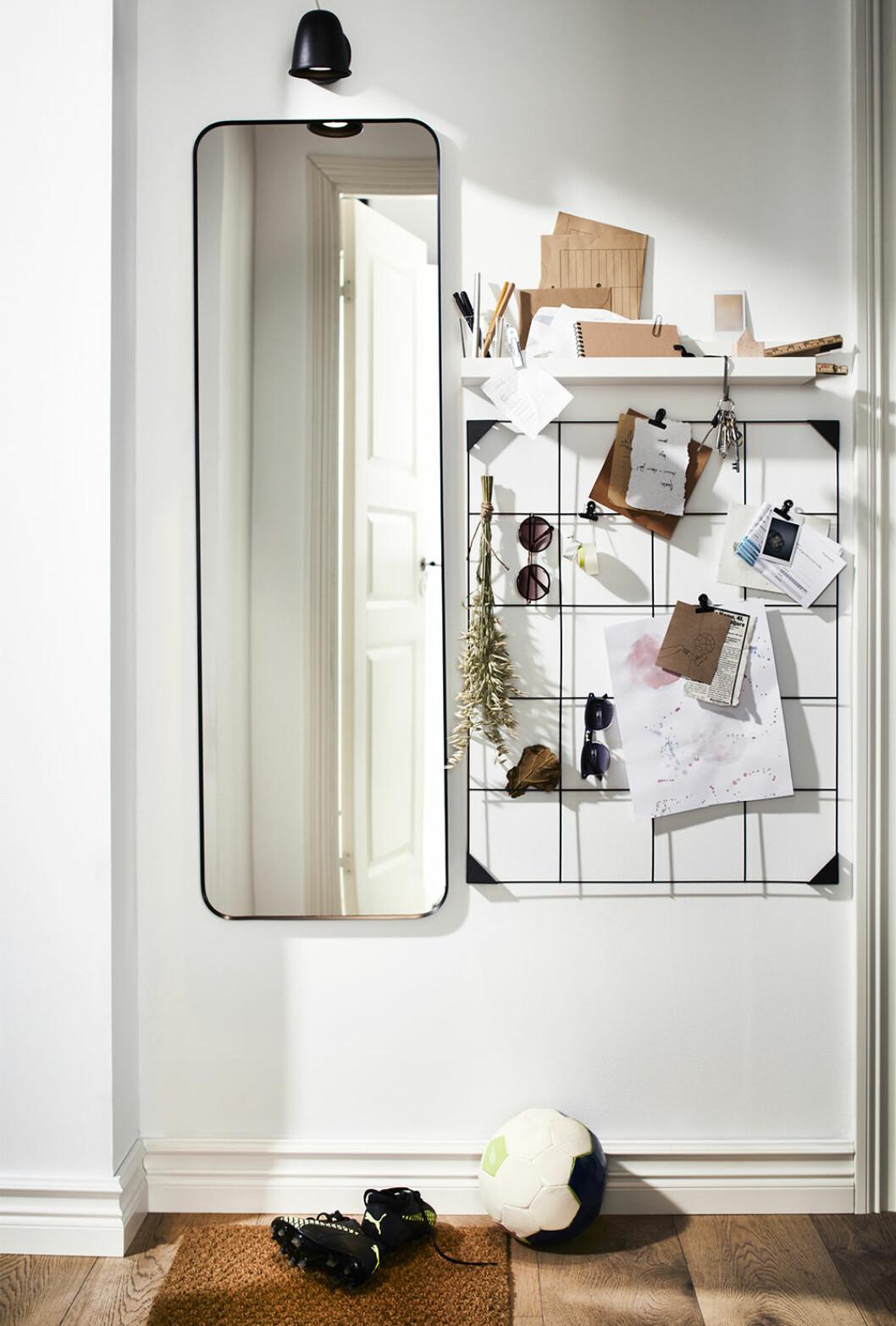 Anslagstavla och spegel från Ikea