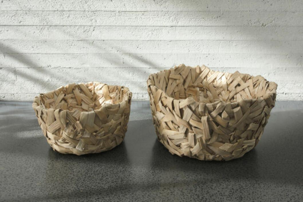 Handflätade korgar i bananfiber från Ikeas kollektion Annanstans