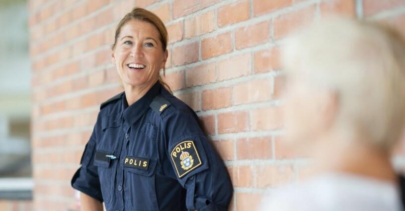 Pia Salming i polisuniform