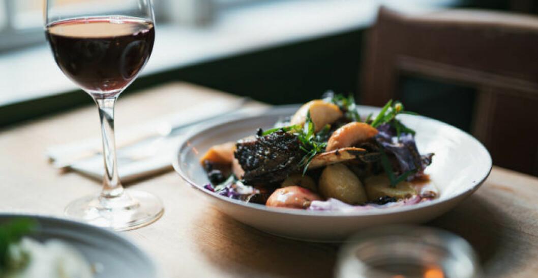 I Gunnebo Slottsrestaurang serveras ekologisk mat efter säsong. Foto: Lina Ikse