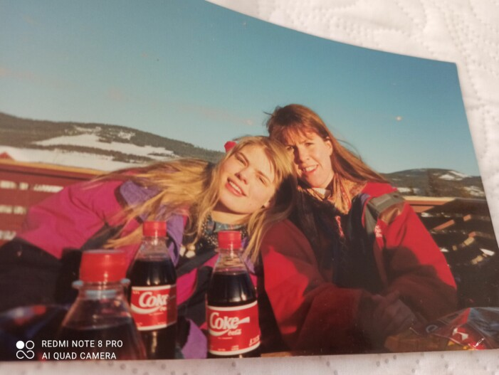 Josefine och Åsa i fjällen ca 1993, före flytten till Knutby.