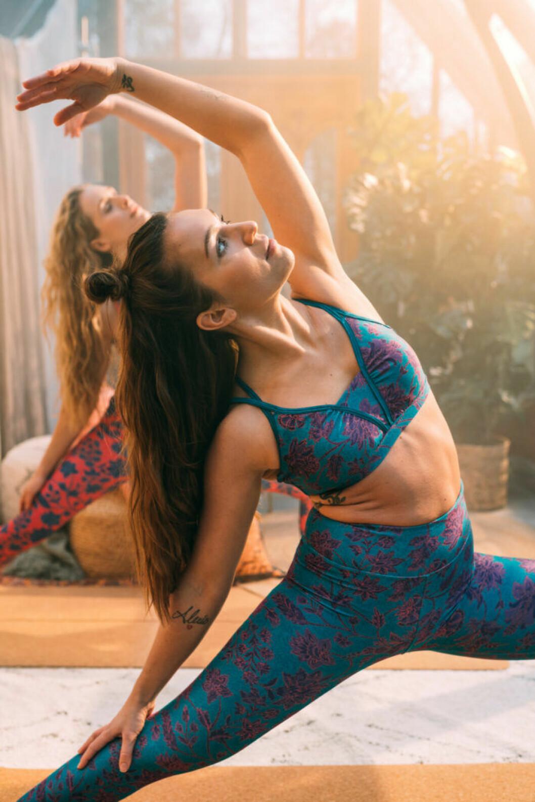 Indiska och Röhnisch har tillsammans tagit fram en yogakollektion.
