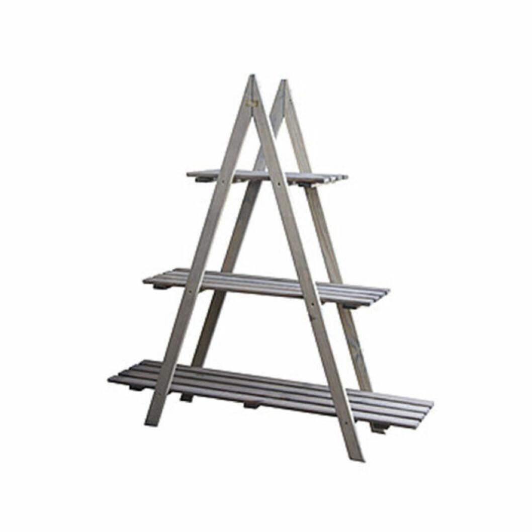 budgetmöbler till balkongen hylla i form av trappstege