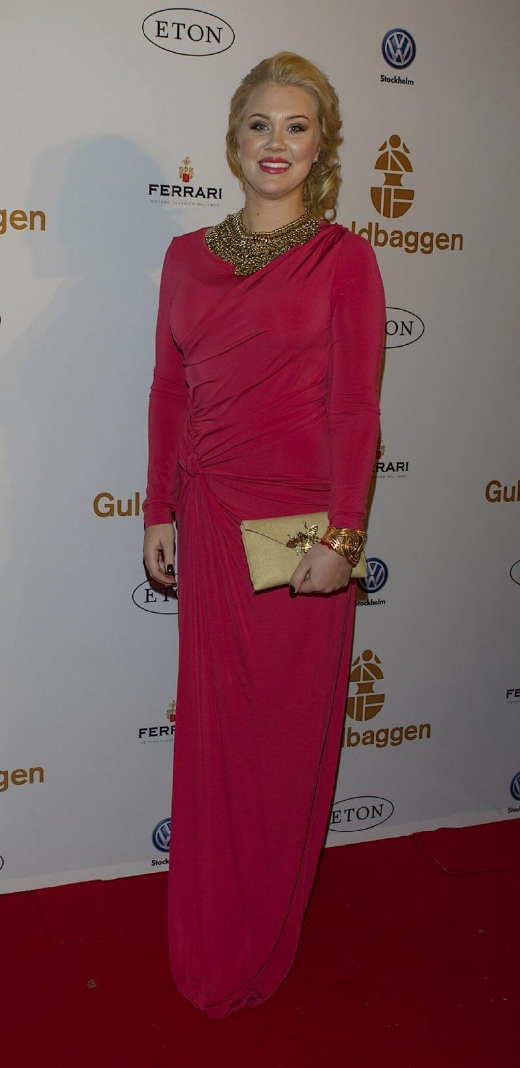 Isabella Löwengrip i röda klänning på Guldbaggegalan 2013