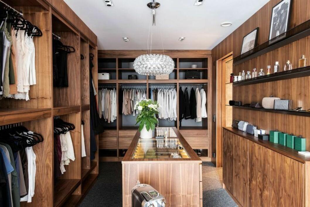 Isabella Löwengrip säljer sin lyxvilla – här är bild på walk in-closet