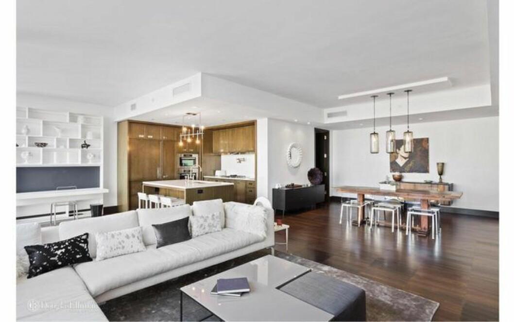 Bloggerskan och entreprenören Isabella Löwengrip letar lägenhet i New York. Här är en bild på ett vardagsrum i en lägenhet hon kikat på.