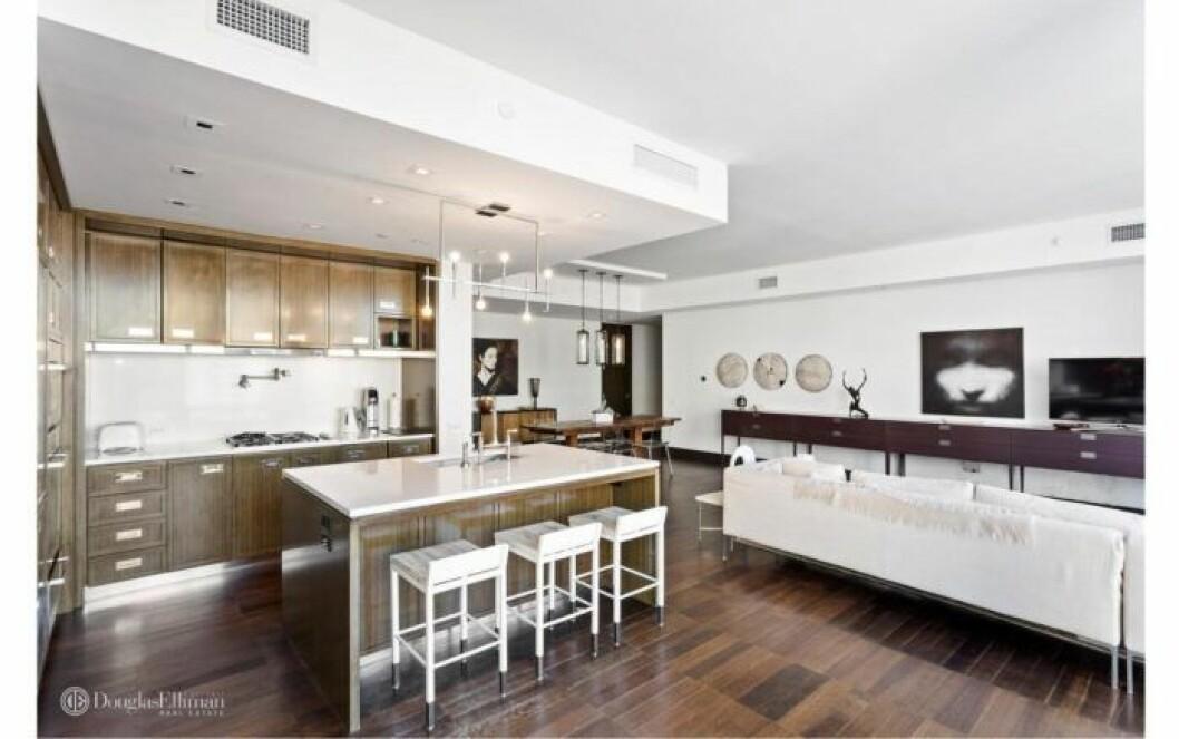 Bloggerskan och entreprenören Isabella Löwengrip letar lägenhet i New York. Här är en bild på en lägenhet hon kikat på som har en öppen planlösning.