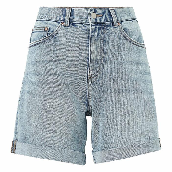 långa jeansshorts