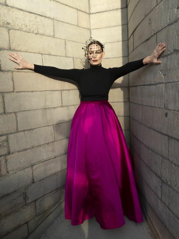 Jennifer Blom rosa kjol