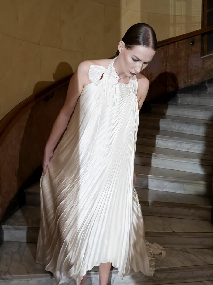 Jennifer Blom vit klänning