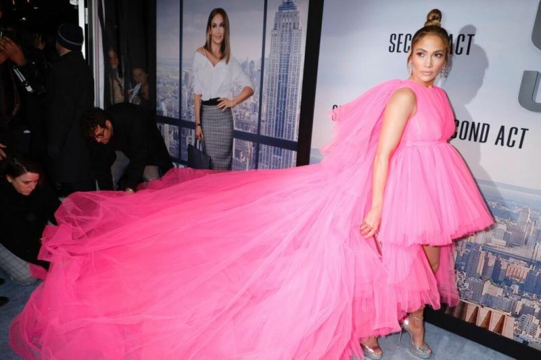 Jennifer Lopez i rosa klänning