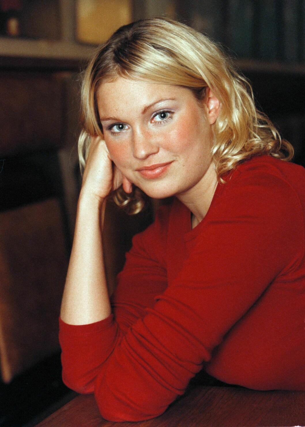 Jessica Almenäs ung