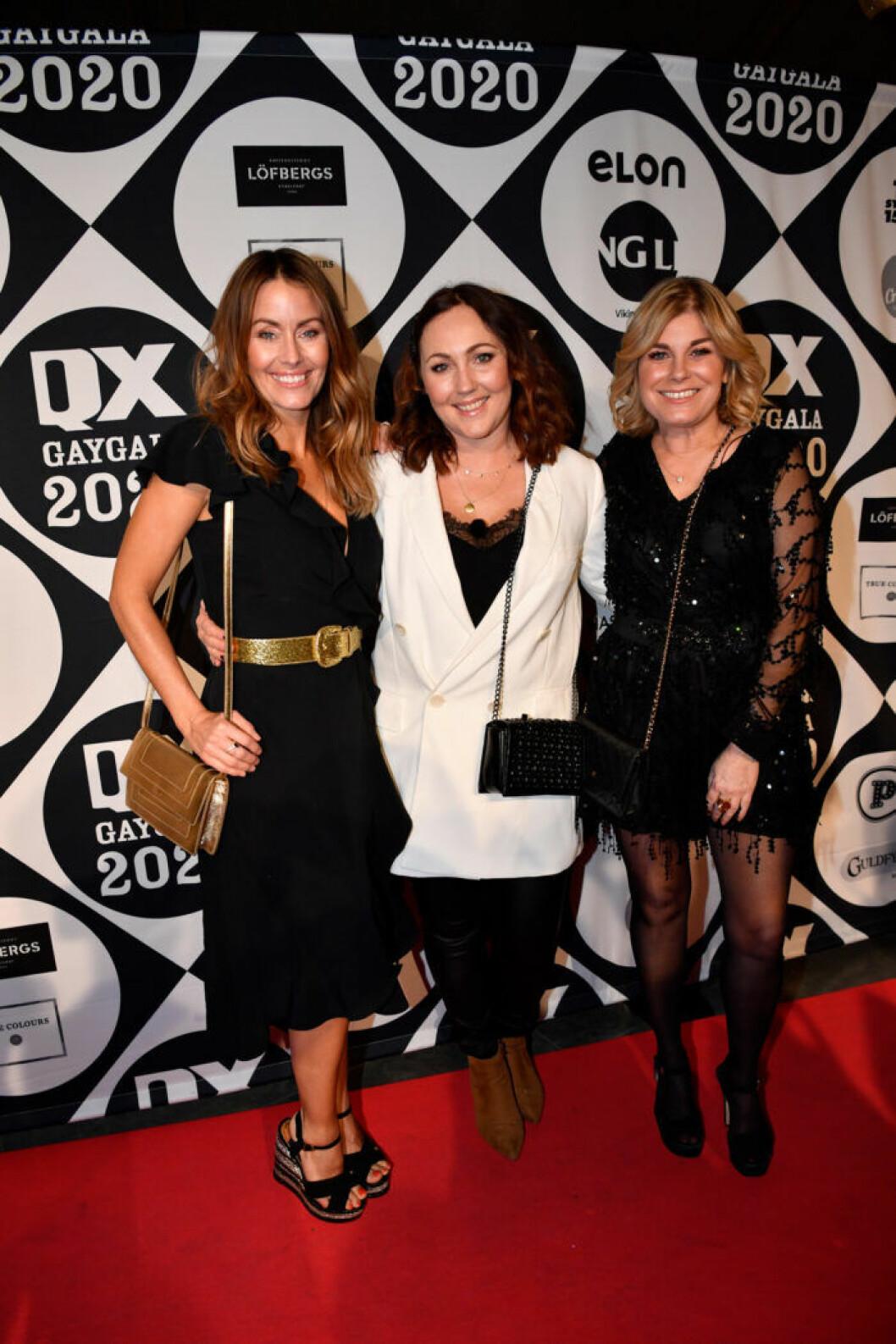 Jessica Wahlgren, Hanna Hedlund och Pernilla Wahlgren på röda mattan på QX-galan 2020