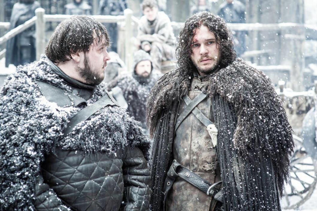 En bild på karaktärerna Samwell Tarly och Jon Snow från tv-serien Game of Thrones.