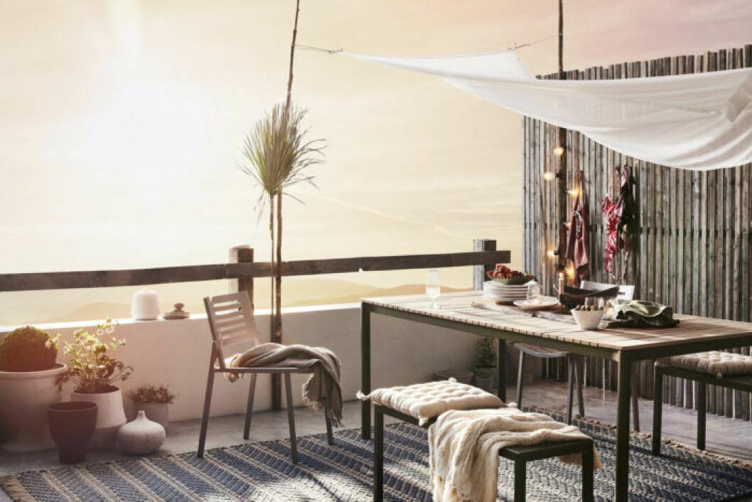 Bänkar, bord och stolar utomhus från Jotex
