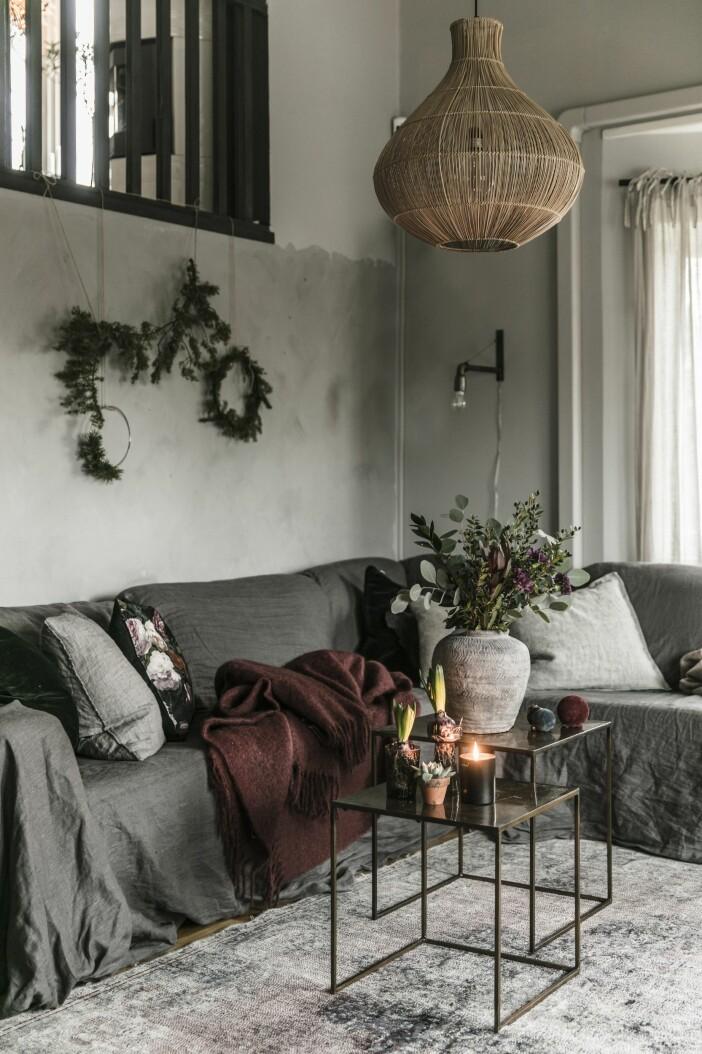 Julinredning soffa vardagsrum