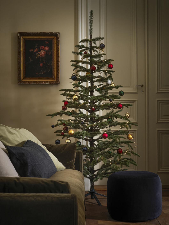 Julgran i delvis återvunnen plast från Ikea